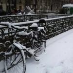 sotto casa. la neve a coperto boulevard saint martin.